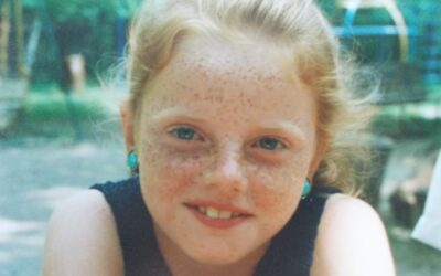 Vyrůstala jsem jako zrzavá pihovatá holčička